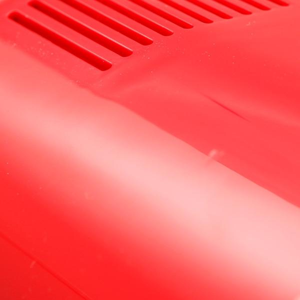 Цвет корпуса красный